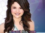 Selena Gomez Super