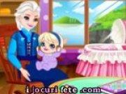 Elsa bunica are grija de nepotica ei