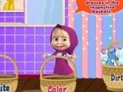 Masha spala hainele murdare