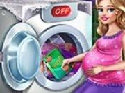 Barbie mamica spala hainele murdare