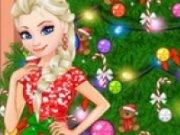 Elsa Decoreaza Bradul de Craciun