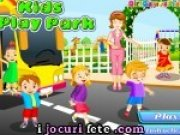 Copiii care se joaca în parc on-line