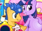 Twilight Sparkle insarcinata din nou