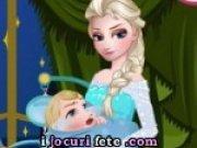 Elsa ingrijeste un bebelus