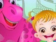 Baby Hazel in parcul dinozaurilor
