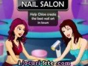 Chloe si salonul de manichiura