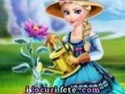 Elsa si gradina cu flori