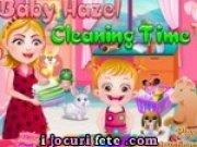 Bebelusa Hazel si mama ei fac curatenie